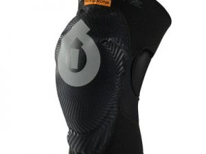 661 COMP AM KNEE black